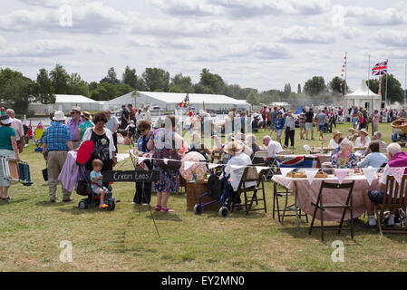 People having Cream Teas at the Thames Traditional Boat Festival, Fawley Meadows, Henley On Thames, Oxfordshire, - Stock Photo