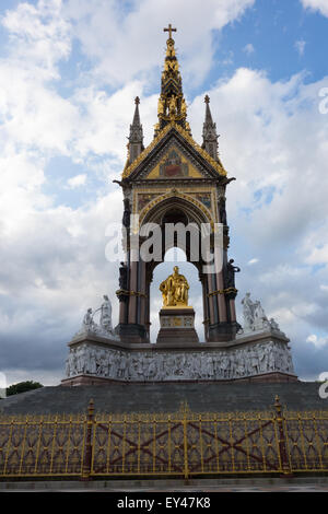 Albert Memorial, Kensington Gardens, London - Stock Photo