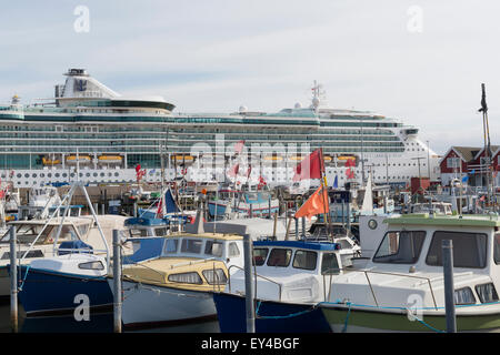 The cruise vessel Brilliance of the Seas at Skagen. - Stock Photo