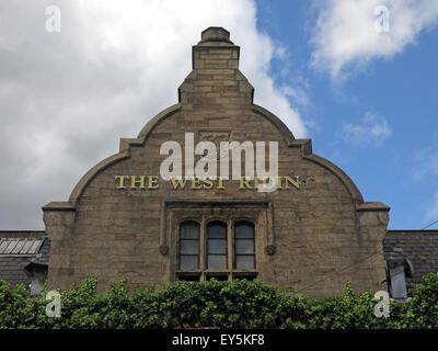 West Riding Pub, Dewsbury Railway Station, West Yorkshire, England, UK - Stock Photo