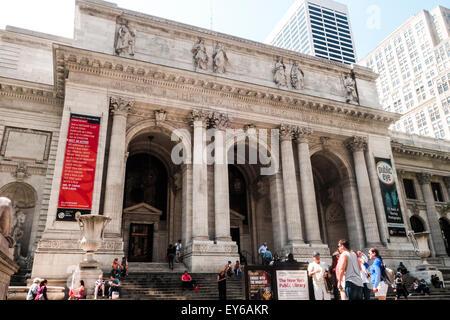 Main entrance New York Public Library, NYPL, New York City, Manhattan, USA