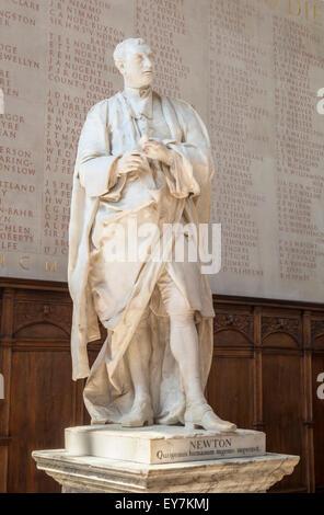 Statue of Sir Isaac Newton Trinity College Chapel Cambridge University  Cambridge Cambridgeshire England UK GB EU - Stock Photo