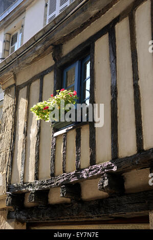 france, brittany (bretagne), finistere, quimper, half-timbered house - Stock Photo