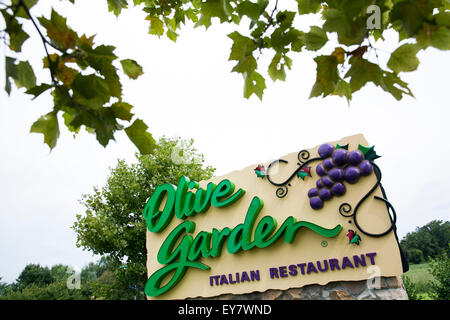 A Logo Sign Outside Of An Olive Garden Restaurant Location In Easton Stock Photo Royalty Free