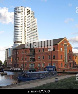 Leeds Wharf Lock, City Centre, West Yorkshire, England, UK (Leeds / Liverpool Canal) - Stock Photo