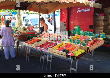 French market fruit and veg stall - Stock Photo