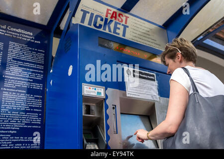 how to use ticket machine at train station