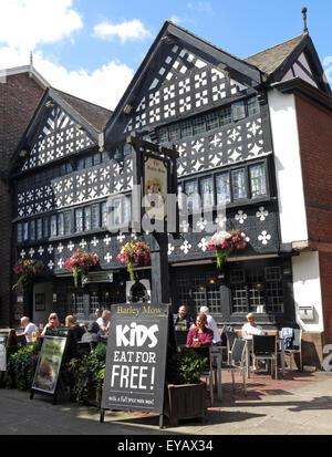 Barley Mow old pub from 1561 Warrington Golden Square, Timber Framed tudor, Cheshire, England, UK - Stock Photo