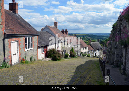 Gold Hill, Shaftesbury, Dorset, where the iconic 1973 Hovis advert was filmed. UK 2015 - Stock Photo