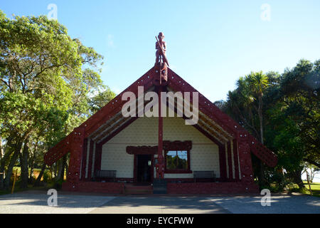 Treaty of Waitangi signed in the Bay of Islands in New Zealand. The Māori meeting house - Stock Photo