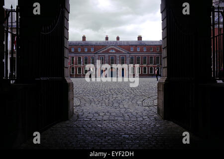 A view of the Dublin Castle State Apartments seen through an entrance archway. - Stock Photo