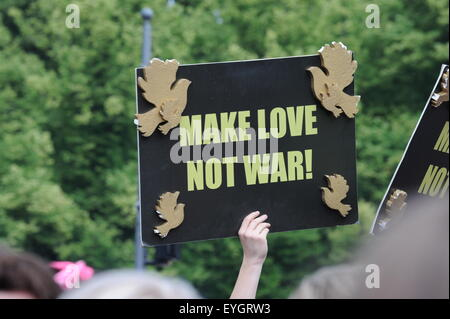 Make Love Not War Peace Sign at Gay Pride Parade Berlin 2015 June Juni - Stock Photo