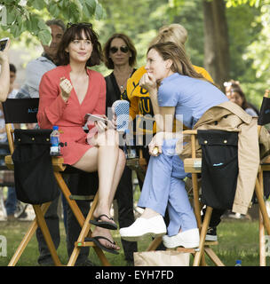 On location with how to be single featuring dakota johnson rebel on location with how to be single featuring dakota johnson leslie mann where ccuart Images