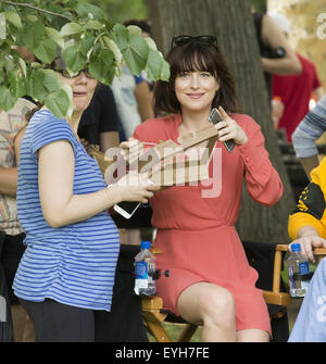 On location with how to be single featuring dakota johnson rebel on location with how to be single featuring dakota johnson where new york ccuart Images
