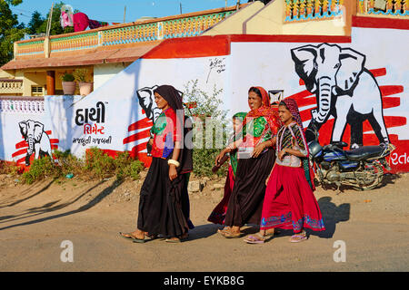 India, Gujarat, Kutch, Padhar village, Ahir ethnic group - Stock Photo