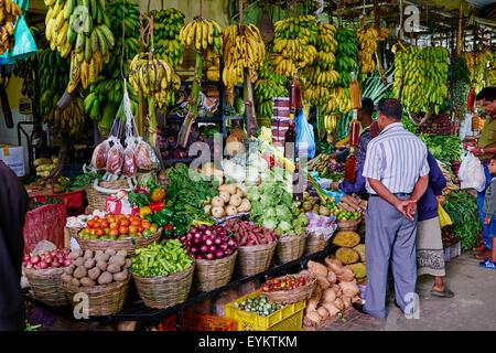 Sri Lanka, Ceylon, Central Province, Nuwara Eliya, central market - Stock Photo
