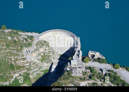 CASTILLON DAM (aerial view). Reservoir on the Verdon River. Near Castellane, in Alpes-de-Haute-Provence, France. - Stock Photo