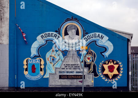 Loyalist paramilitary mural in Belfast, Northern Ireland - Stock Photo