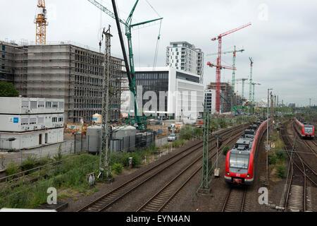 S1 (Suburban train) heading for Solingen passing through Dusseldorf Wehrhahn, Germany. - Stock Photo