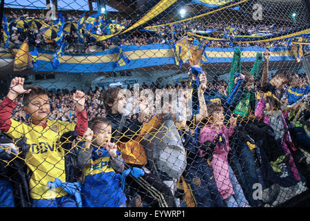 Buenos Aires, Argentina. 2nd August, 2015. Group of tiny fans of Boca encouraging the public before the game in - Stock Photo