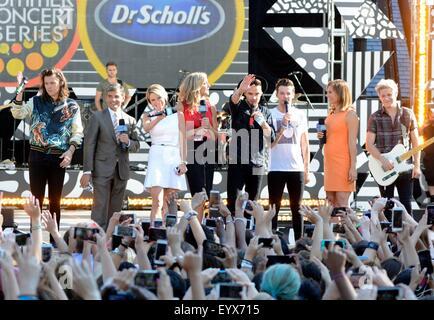 New York, NY, USA. 4th Aug, 2015. Harry Styles, George Stephanopoulos, Amy Robach, Lara Spencer, Liam Payne, Louis - Stock Photo