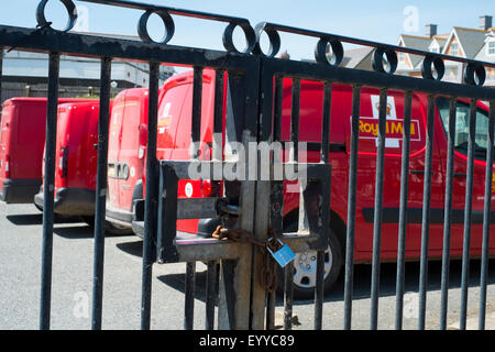 post office delivery vans at the depot glasgow scotland uk stock photo 79208786 alamy. Black Bedroom Furniture Sets. Home Design Ideas