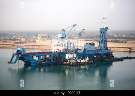 MASHHOUR. Type. Cutter Suction Dredger. In use Suez canal Egypt. - Stock Photo