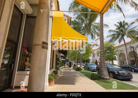 BOUTIQUE SHOPS WORTH AVENUE PALM BEACH FLORIDA USA - Stock Photo