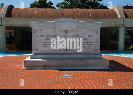 TOMB OF MARTIN AND  CORETTA SCOTT KING REFLECTING POOL REVEREND DOCTOR MARTIN LUTHER KING JR HISTORIC SITE ATLANTA - Stock Photo