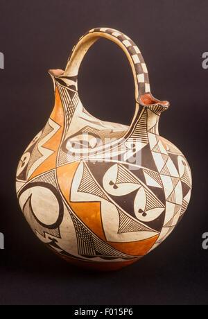 Pueblo Indian Vase Stock Photo 216032559 Alamy