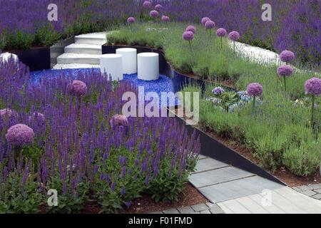 Blauer Garten; Sitzplatz, Salbei, Salvie, - Stock Photo
