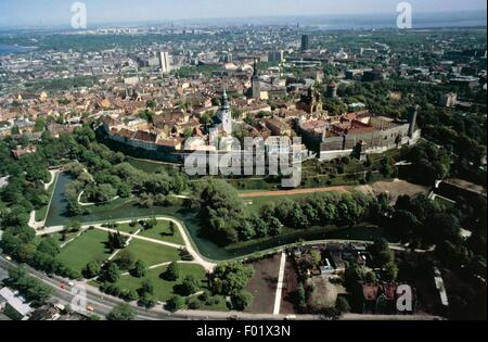 Aerial view of the Old City of Tallinn and its walls, 14th-16th century (UNESCO World Heritage List, 1997) - Estonia. - Stock Photo