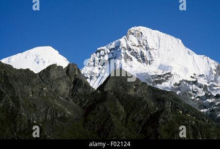 The Chozo Dzong group, Lunana, Himalayas, Bhutan. - Stock Photo