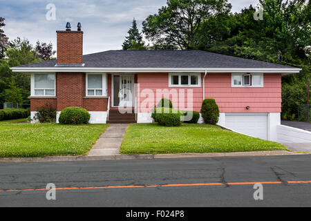 North American bungalow from the sixties. - Stock Photo