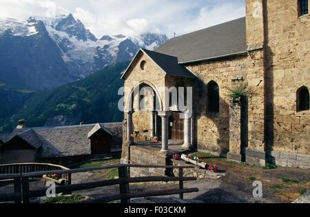 Church at Les Terrasses, in the surroundings of the village of La Grave, Ecrins National Park (Parc national des - Stock Photo