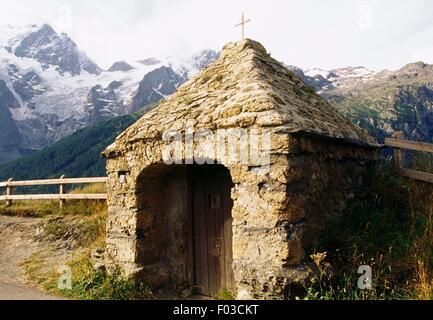 Chapel at Les Terrasses in the surroundings of the village of La Grave, Ecrins National Park (Parc national des - Stock Photo