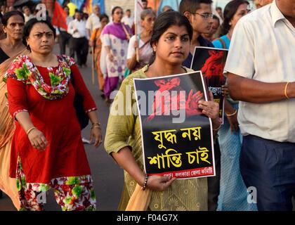 Kolkata, India. 07th Aug, 2015. Leftist commemorate the 70th Anniversary of the U.S. atomic bombing of Hiroshima - Stock Photo