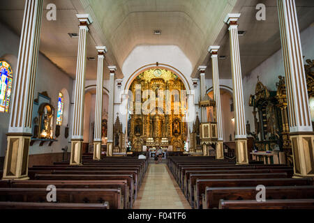 PANAMA CITY, Panama--The massive gold altar of Iglesia San Jose. It survived the pirate Henry Morgan's sacking of - Stock Photo