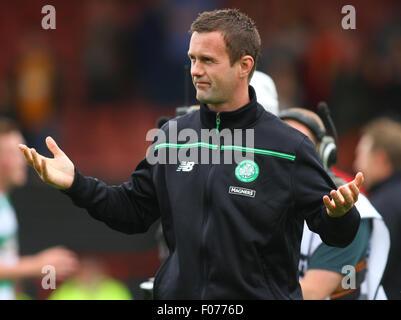 Glasgow, Scotland. 09th Aug, 2015. Ladbrokes Scottish Premiership. Partick Thistle versus Celtic. Ronnie Deila applauding - Stock Photo