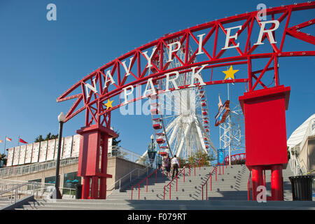 ENTRANCE ARCHWAY FERRIS WHEEL NAVY PIER QUAY DOWNTOWN CHICAGO ILLINOIS USA - Stock Photo