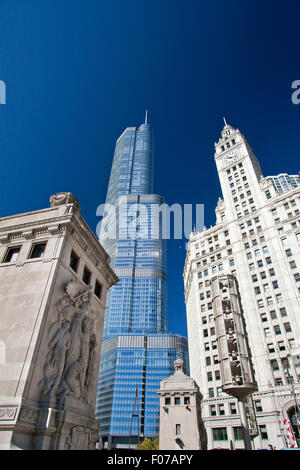 TRUMP INTERNATIONAL TOWER (©SKIDMORE OWINGS MERRILL 2009) WRIGLEY BUILDING NORTH MICHIGAN DRIVE DOWNTOWN CHICAGO - Stock Photo