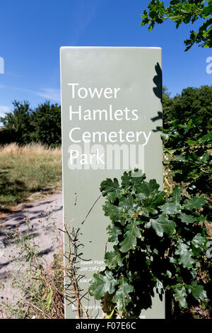 Tower Hamlets Cemetery Park in the East End of London near Mile End, London, England, UK. - Stock Photo