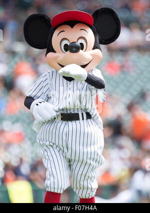 Detroit, Michigan, USA. 30th July, 2015. Mickey Mouse Performs during a regular season game between the Detroit - Stock Photo