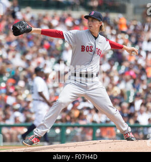 Detroit, Michigan, USA. 30th July, 2015. Boston Red Sox starting pitcher Henry Owens (60) delivers the pitch during - Stock Photo