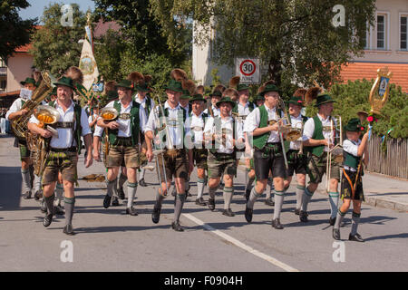 Hausham, Germany. 09th Aug, 2015. band Bayrischzell  the Pageant of the 125 anniversary of the Costumes Conservation - Stock Photo