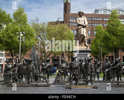 Rembrandt statue and figures from 'De Nachtwacht', Rembrandsplein, Amsterdam - Stock Photo