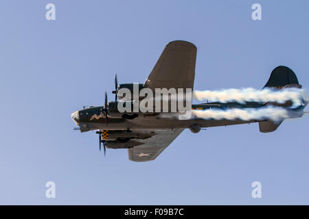 A Blackpool first with the historic Boeing B-17 Flying Fortress coming to the resort for the first time ever.  Thousands - Stock Photo