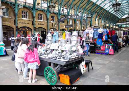Apple Market in Covent Garden Market, Covent Garden, City of Westminster, London, England, United Kingdom - Stock Photo