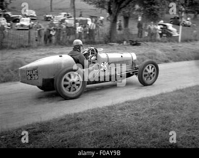 Bugatti racing car at Prescott 1930s - Stock Photo