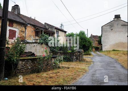 Old farm buildings  in Frayssinet-le-Gelat in the Lot Region Department of France Midi-Pyrenees - Stock Photo